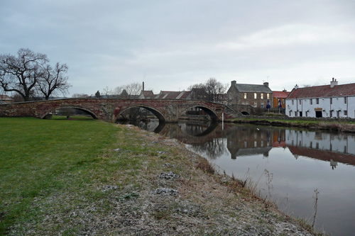 Lothian%20%28070%29%20River%20Tyne%2C%20Haddington.JPG